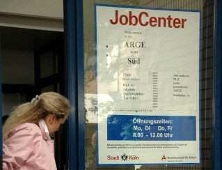 0344e19b920b16e07 - Hartz IV Chaos: Alles paletti im Jobcenter?