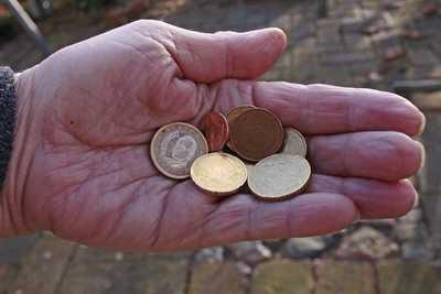 altersarmut - Millionen droht Hartz IV vor der Rente