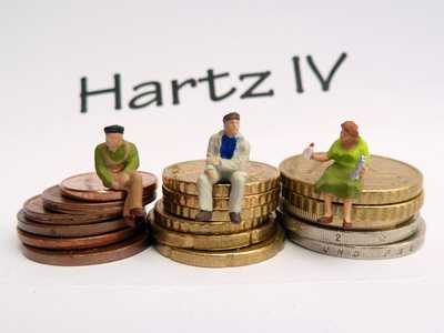 regelsatz - Hartz IV Regelsatz müsste 407 Euro betragen