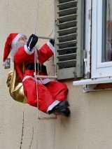 weihnachten jobcenter - Hartz IV: Geschenke vor dem Jobcenter schützen