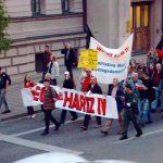 anti hartz4 demo 150x150 - Von Hoeneß bis Hartz IV: Deutschland einig Gier