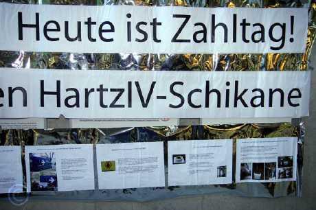 jobcenter aktion - Solidarische Massenbegleitung im Jobcenter Köln