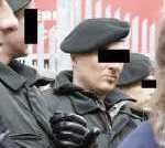 quarzhandschuhe polizei 160 150x134 - Polizei verbietet Anti-Hartz-Protest vor Jobcenter