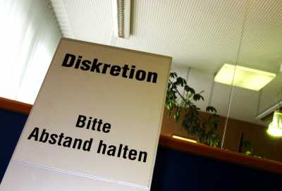 anwalt behoerde - Kein Hausverbot für Anwälte bei Behördengängen
