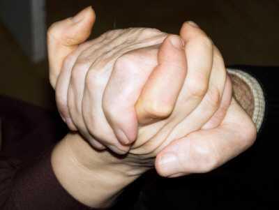 pflege hartz iv bezieher - 280.000 Hartz IV-Empfänger pflegen Angehörige