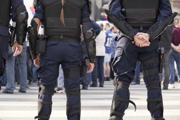 durchsuchung linkspartei - Jobcenter: Polizei durchsucht Linkspartei