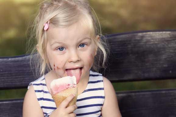 eis kind - 3 Kugeln Eis kosten mehr als Hartz IV-Kindersatz