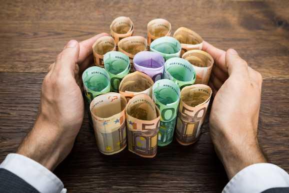 geld gefunden - Hartz IV Bezieher finden 20000 EUR und geben es ab
