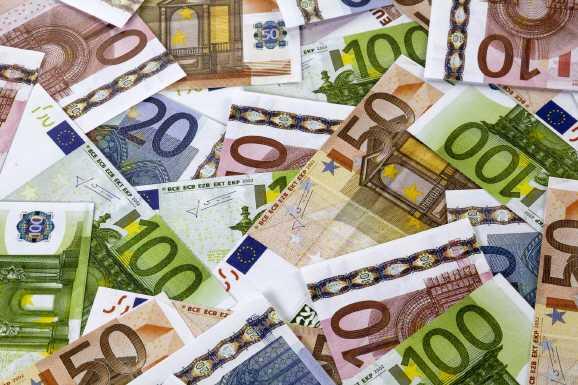 ueberschuss ba - BA: Massiver Überschuss von 3,5 Milliarden Euro