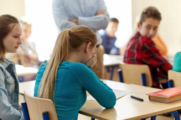 schulbeihilfe warten - Hartz IV: Vier Jahre auf Schulbeihilfe gewartet