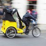Hartz IV Bezieher als Rikschafahrer zum Hungerlohn