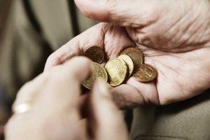 armut eu 300x200 - 2000 EUR Strafe für 256 Euro Arbeitslosengeld