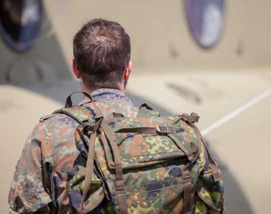 bundeswehr - Aus Not in die Bundeswehr?