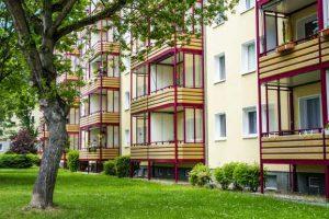 sozialwohnungen 300x200 - BGH stärkt die Rechte von Hartz IV Mietern