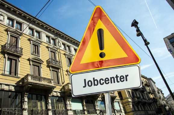 jobcenter 12 - Hartz IV Bezieher müssen mit Jobcenter sprechen
