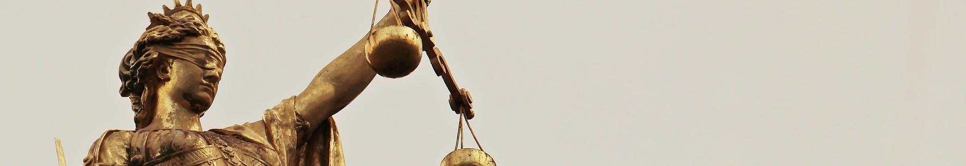 Brille Jobcenter - Bei Urteil zu Hartz IV-Sanktionen herrscht Stillstand