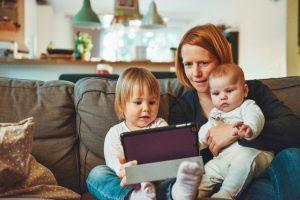 faq1 300x200 - Mit Kleinkind arbeiten darf Kinderbonus bei der Rente mindern