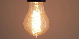 Stromsperre und Energieschulden - So aus dem Schuldensumpf entkommen