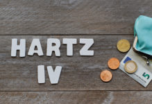 hartz iv urteile widerspruchsfrist 219x150 - BSG-Urteil: Erst Schulden tilgen und dann Hartz IV beantragen