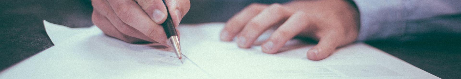 Auch ein Aufhebungsvertrag kann eine ALG I-Sperre zur Folge haben.