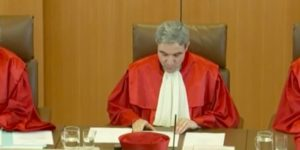 Bundesverfassungsgericht: Diese Hartz IV Sanktionen sind teilweise verfassungswidrig! - Liveticker vor Ort | Gegen-Hartz.de