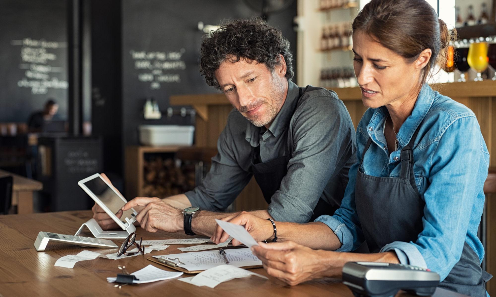 AdobeStock 232957208 2000x1200 - Die Hälfte der kleineren und mittleren Unternehmen fürchtet Insolvenz wegen Corona