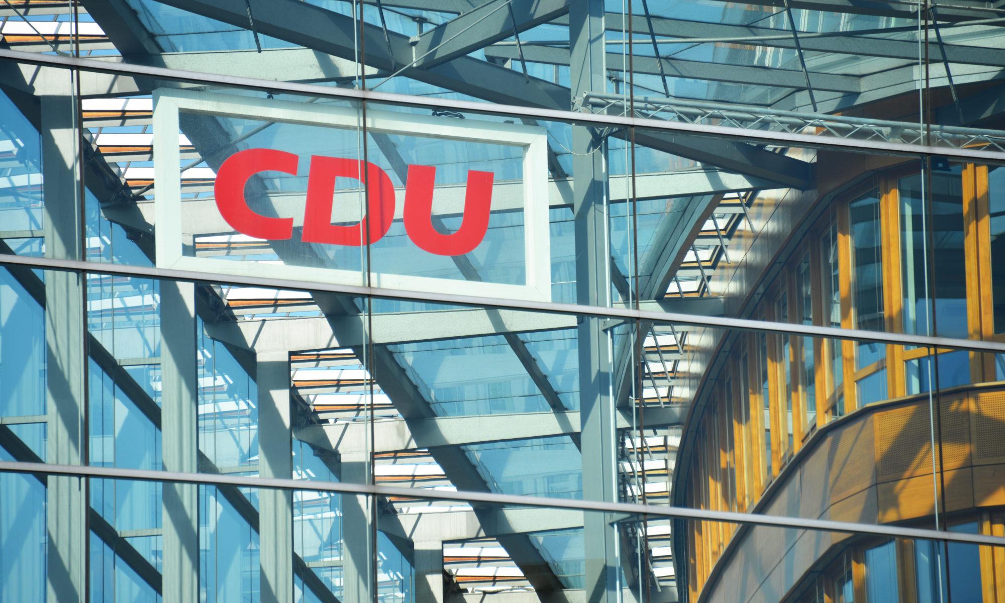 AdobeStock 361341048 Editorial Use Only 2000x1200 - CDU/CSU lehnt Hartz IV-Erhöhungen und  Pandemie-Zuschlag ab