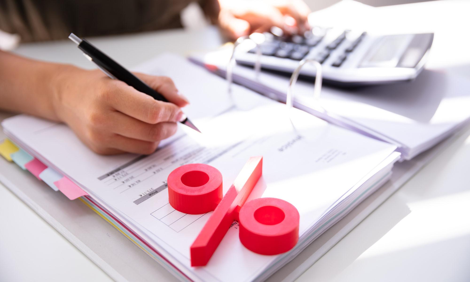 AdobeStock 285713659 2000x1200 - Jobcenter muss Zinsen bei Hartz IV-Nachzahlung zahlen