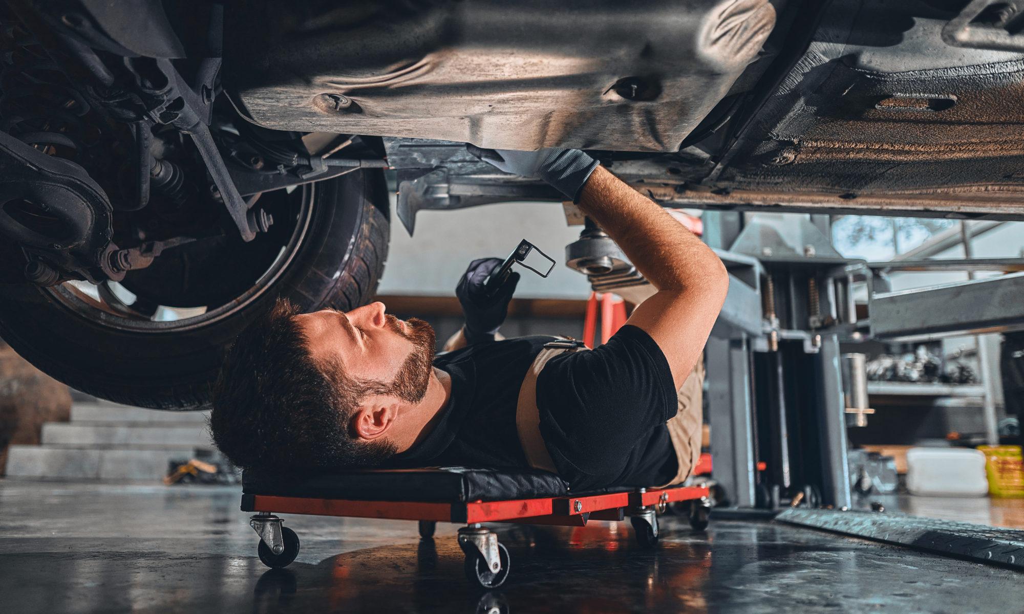 AdobeStock 412460677 2000x1200 - Hartz IV: Jobcenter muss Fahrzeugreparatur bezahlen