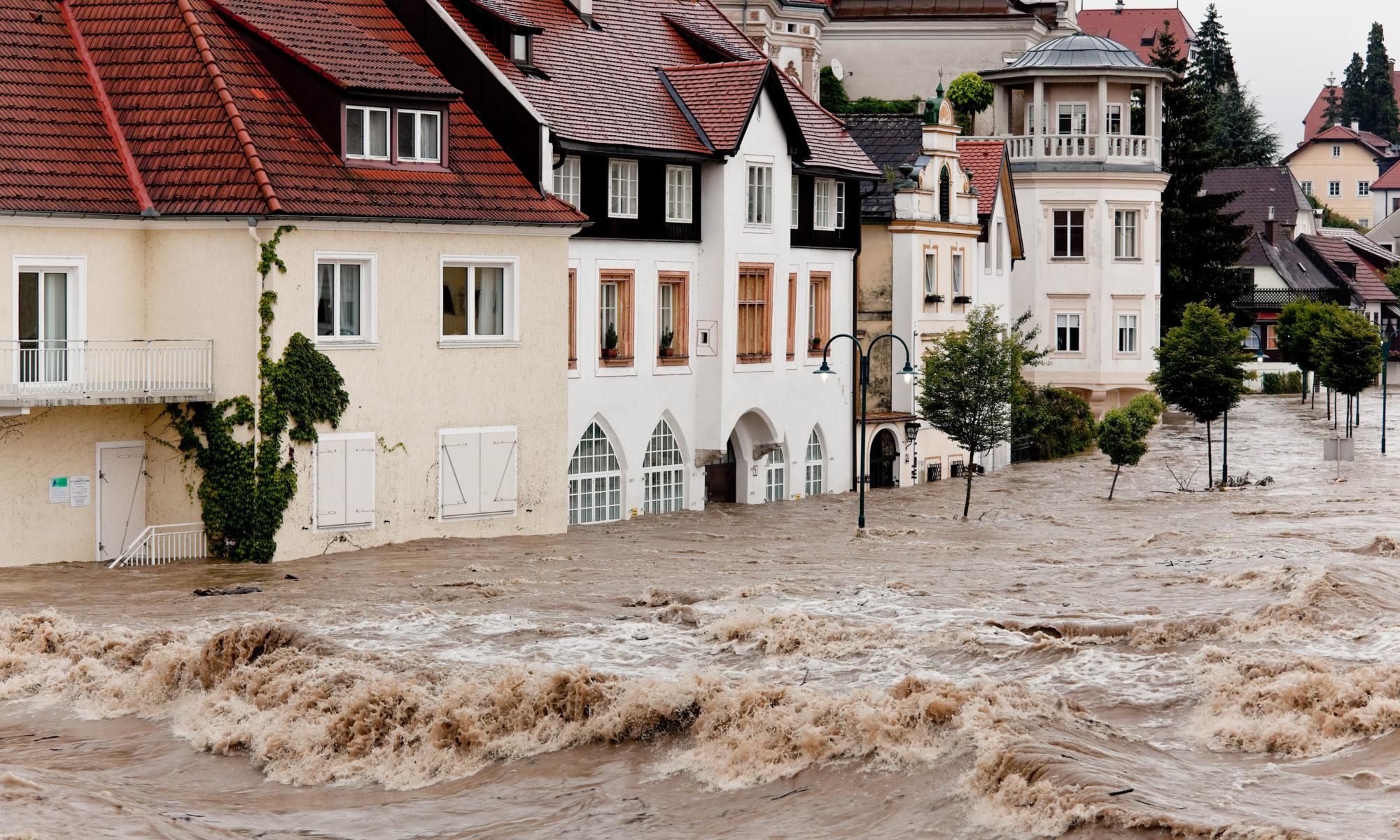 AdobeStock 49754676 2000x1200 - Hartz IV: Anspruch wegen Hochwasserschäden