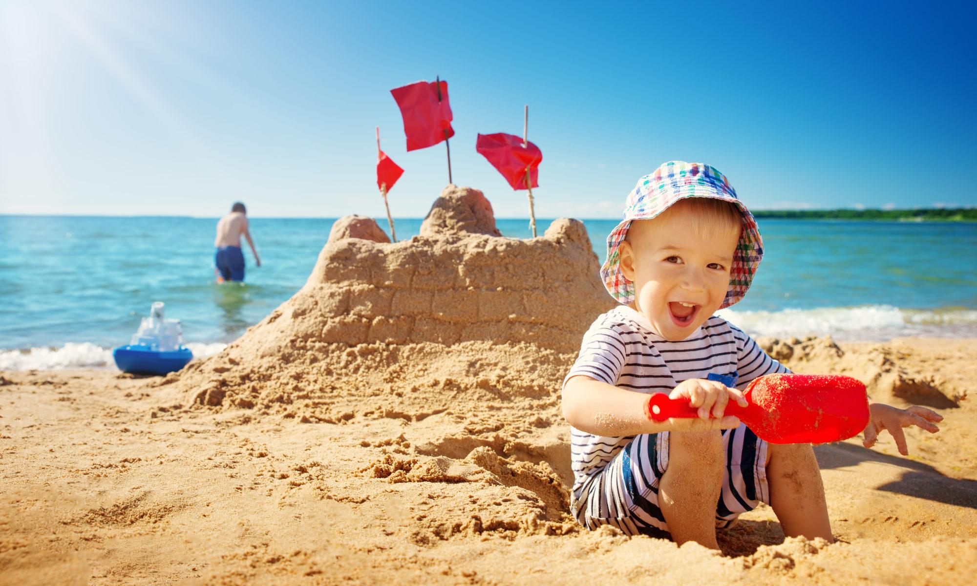 AdobeStock 189370756 2000x1200 - Urlaub für Familien in Hartz IV: Jetzt Corona-Auszeit-Zuschlag beantragen